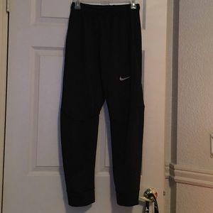Nike thermal sweats 🌬